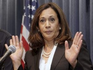 Kamala-Harris-hands-Nick-Ut-Associated-Press-640x480